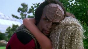 Worf Edo hug